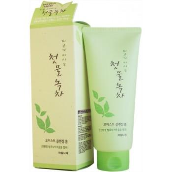 Очищающая пенка с экстрактом зеленого чая Welcos Green Tea Moist Cleansing Foam