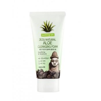 Очищающая пенка для умывания на основе экстракта алоэ вера Welcos Jeju Natural Aloe Cleansing Foam
